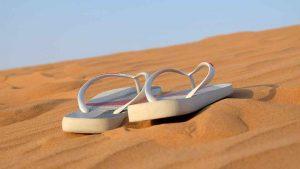 flip_flops_sand